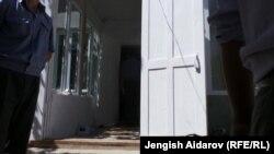 Дом Эралиевых, где произошло преступление. 6 сентября 2013 года