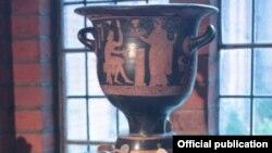 Зигмунд Фрейд ҳоки солинган ваза.