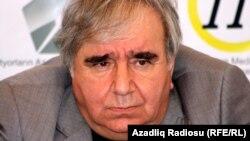 Azerbaijan – poet Ramiz Rovshan, Baku, 07Apr2012