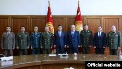 Президент Сооронбай Жээнбеков ЖККУнун курамындагы мамлекеттердин коргоо министрлери менен. 30-апрель, 2019-жыл.