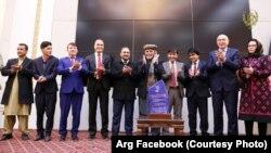 محمداشرف غنی روز پنجشنبه با شماری از بزرگان فرهنگی ازبک ملاقات کرد