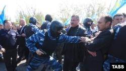 Крымские татары и силовики, Турецкий вал, 3 мая 2014 года