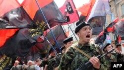 УНА-УНСО марширует в День Героев, Львов, 24 мая 2009 года