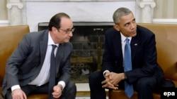 Американскиот претседател Барак Обама со францускиот претседател Франсоа Оланд.