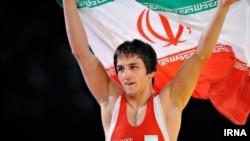 حمید سوریان قهرمان شِشطلایی کشتی فرنگی ایران.