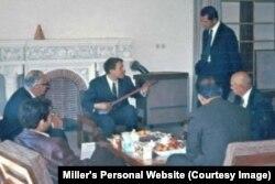 میلر در کنار دکتر داریوش صفوت و چند تن از اعضا در مرکز حفظ و اشاعه موسیقی