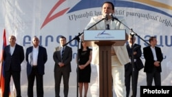 Armenia - Prosperous Armenia Party leader Gagik Tsarukian addresses an election campaign rally in Yerevan, 2May2013.
