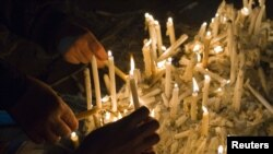 Ashura mourners light candles in Tehran (file photo)