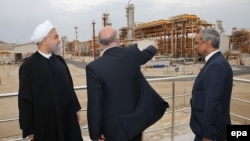 وزیر نفت و رئیسجمهوری ایران در عسلویه