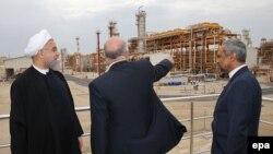 حسن روحانی، بیژن نامدار زنگنه، وزیر نفت در میدان پارس جنوبی
