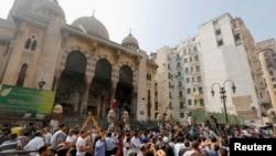 Мечеть Аль-Фатех, где укрылись сторонники исламистов