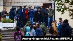 Evacuarea colegiului din Kazan, în urma unui apel telefonic anonim