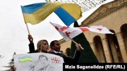 Пройдя проспект Руставели до здания правительства, шествие «Нацдвижения» закончилось к четырем часам