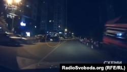 Опівночі на повороті біля будинку, де живе Гройсман, з'явилося авто супроводу його кортежу
