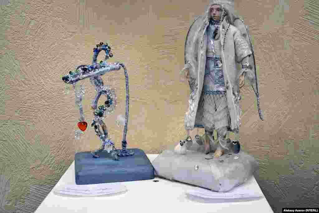 Эта композиция Лады Умбетбаевой называется «Новогодний ангел».