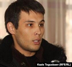 """Журналист видеопортала """"Стан.ТВ"""" Азамат Есберген. Алматы, 24 января 2012 года."""