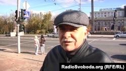 Донеччанин каже, що дивиться програму Володимира Соловйова (який відомий як російський пропагандист), тому в темі українських «реалій»