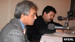 Мусо Асозода вместе с Шокирджоном Хакимовым участвуют на круглом столе Радио Озоди