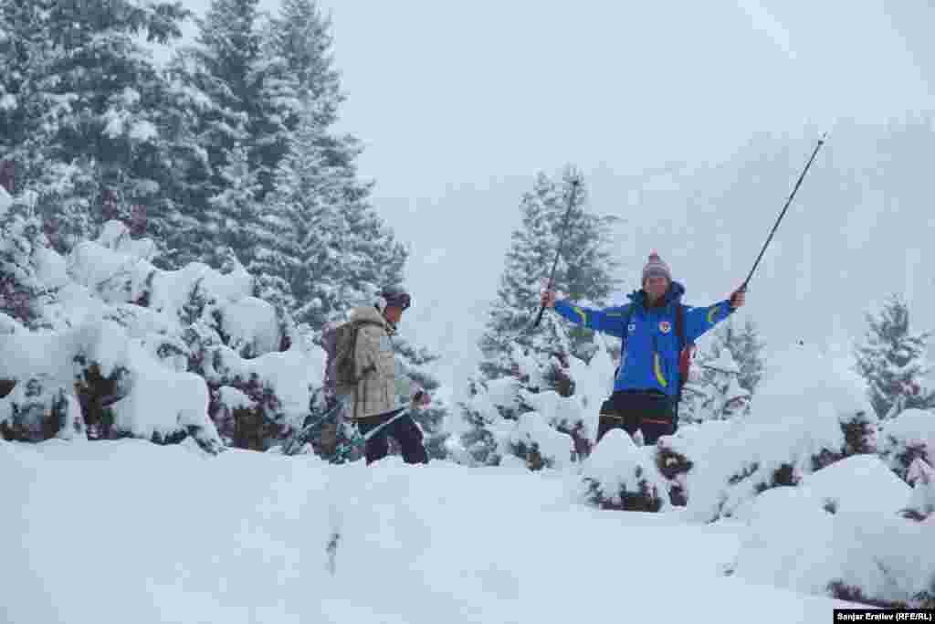 В программе фестиваля концерты, игры, демонстрирующие зимние виды спорта, выставки изделий ручной работы местных мастеров.