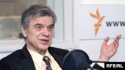 Руслан Хазбулатов