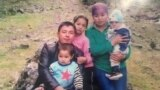 Асемгуль Алтынбек кызы с семьей. Фото опубликовано с разрешения ее родственницы - Айымгуль Турдакун кызы.