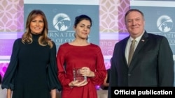 Armenian journalist and blogger Lucy Kocharyan received the International Women of Courage award from the U.S. Secretary of State Mike Pompeo and First Lady Melania Trump on March 20.