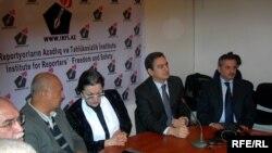 Оппозиционные лидеры Гражданского Движения за Карабах и Республику на совместной пресс-конференции в марте 2009 года