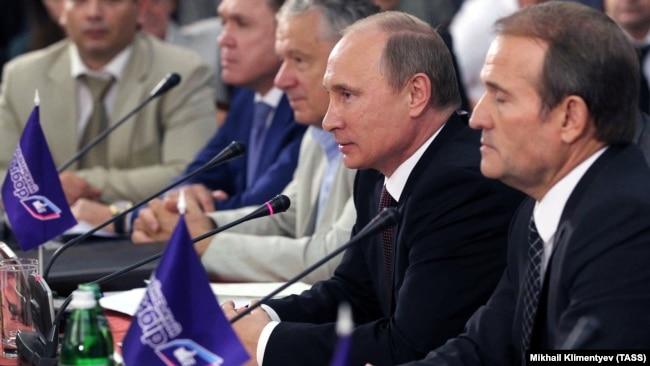 Після перемоги Євромайдану вже не було мови про вступ України до Митного союзу з Росією, за який два роки поспіль агітувала його громадська організація, залучаючи гостей із Кремля