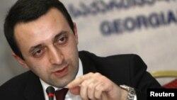 Ираклий Гарибашвили посчитал нужным дополнить свое выступление накануне перед парламентской оппозицией встречей сегодня с журналистами