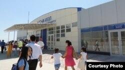 """Аэропорт """"Иссык-Куль"""" в селе Тамчы."""