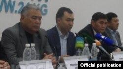 УОКтун коомдук-саясий кеңеши маалымат жыйынында. 3-апрел, 2014-жыл.