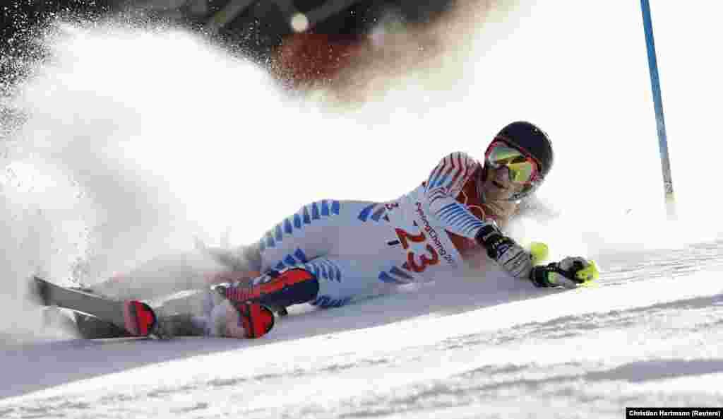 Реси Стиглер (США) осталась без медали в состязаниях по горным лыжам. 15 февраля 2018 года.