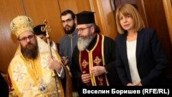 Йорданка Фандъкова по време на молебен на новия състав на Столичния общински съвет, извършен от белоградчишкия епископ Поликарп
