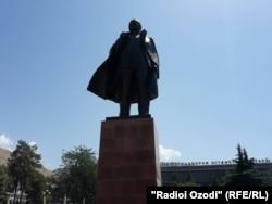 Муҷассамаи Ленин дар шаҳри Норак