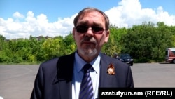 Armenia -- Ivan Volynkin, the Russian ambassador to Armenia, visits Victory Park in Yerevan, 9May, 2016.