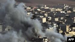 Дым от воздушных ударов в сирийском селе. Иллюстративное фото.
