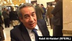 الكاتب الصحفي عامر بدر حسون