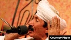 دو تار نواز و خواننده محلی خراسانی در مراسم افتتاحیه کنگره بیدل