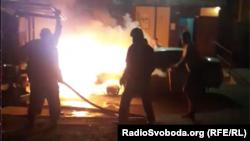 Вночі 17 серпня в Броварах невідоміпідпалили автомобіль програми журналістських розслідувань «Схеми», який належить водієві програми – учаснику знімальної групи Борису Мазуру