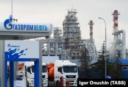 Нефтеперерабатывающий завод в Краснодаре