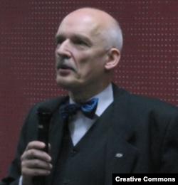 """Януш Корвин-Микке не хочет """"дразнить медведя"""""""