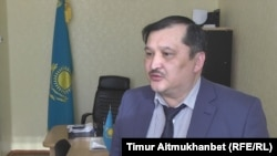 Ақсу қаласы білім беру бөлімі бастығы Қайрат Смағұлов. Павлодар облысы, 31 қаңтар 2017 жыл.