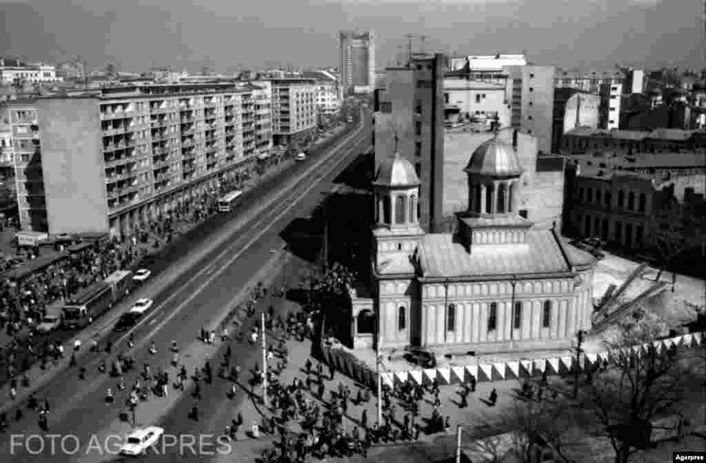 St. John the New Orthodox Church in Bucharest on the move in 1986.