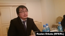 екзат Рахымов, инвестициялар және даму министрлігінің өкілі. Астана, 22 қаңтар 2016 жыл.