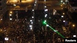 Демонстрація на підступах до палацу, на цьому знімку ще до прориву загорож, Каїр, 7 грудня 2012 року