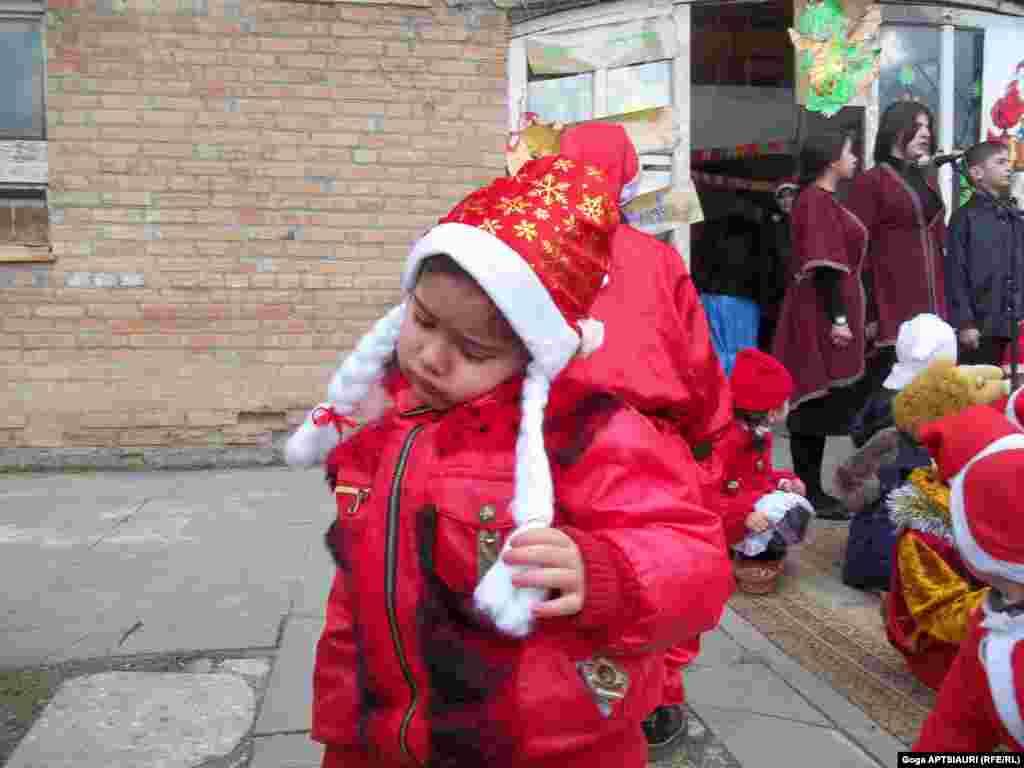 გორის პირველ საბავშვო ბაღში დევნილი ბავშვებისთვის საქველმოქმედო აქცია გაიმართა.