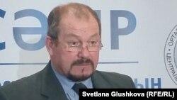 Заместитель председателя Центральной избирательной комиссии Казахстана Владимир Фоос.