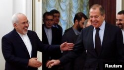 Рускиот министер за надворешни работи Сергеј Лавров по средбата со неговиот ирански колега Џавад Зариф.