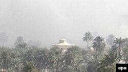 سخنگوی ارتش عراق می گوید: هدف اصلی بمبگذاری، رهبران قبايل سنی بوده که در ساختمانی در نزديکی محل انفجارها حضور داشتند. (عکس: خبرگزاری اپا)