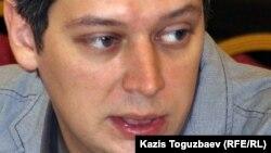 «Фридом Хаус» құқық қорғау ұйымының Алматыдағы өкілдігінің директоры Вячеслав Абрамов.